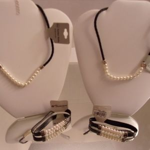 NWT 2 PEARL DESIGNER NECKLACES & 2 MATCHING BRACEL